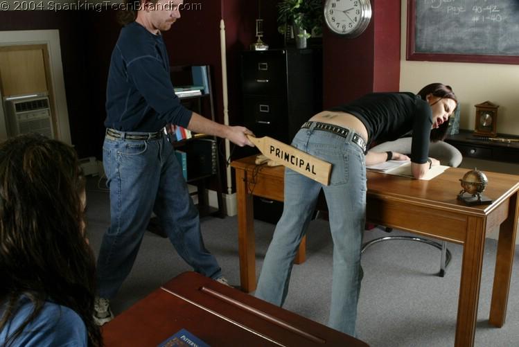kailee spanking models -